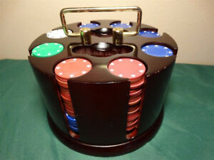 LIKE NEW Bombay co. Poker Caddy 300 pc (cost $90)