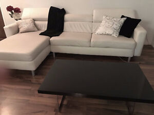 White Leather couch - Blanc sofa Cuir a vendre!