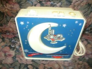 VINTAGE GE CHILDS NIGHT LIGHT RADIO
