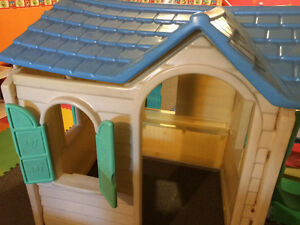 Kids play house for sale!