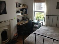 Lovely double room in quiet and clean spacious terrace house North Street Bedminster.