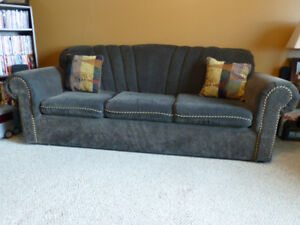 Green matching couch and chair set. Need gone ASAP $100obo