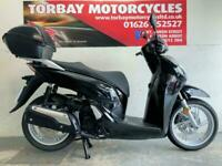 HONDA SH300i ABS SCOOTER 2018 68 PLATE 3276 MILES WITH TOP BOX IN BLACK