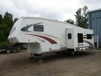 2005 Cruiser CF27RL by Crossroad with one slide