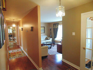 "Beautiful Renovated Bungalow    ""Pierrefonds"" West Island Greater Montréal image 13"