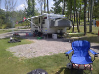 Great condition 2009 Rockwood Roo 233 Hybrid Trailer