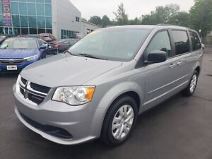 2015 Dodge Grand Caravan SXT / Stow N GO / Low Mileage