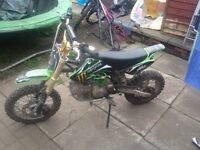 125cc outlaw pit bike 2016 model bikes in great condition used a hand full of times £350 ono