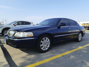 Lincoln Towncar Great Deals On New Or Used Cars And Trucks Near Me