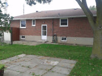 House for rent - Lakeridge and Bayley