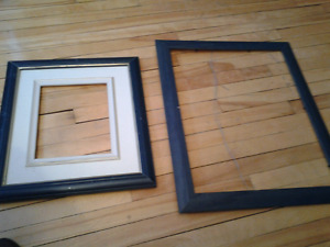 2 WOOD MARINE COLOR PICTURES PHOTO FRAMES 2 for 3$