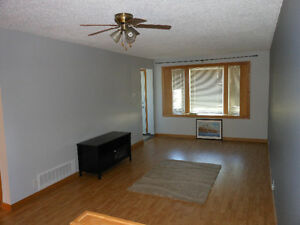 2 Bedroom Main Floor House (ALL UTILITIES included) - $1350