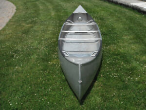 First Year 1946 Grumman 15ft Canoe in Ex. Cond.