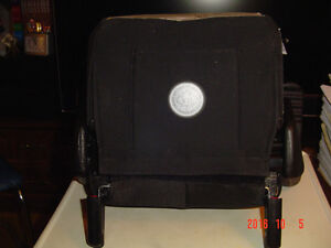 """CLEK OZZI"" BELT-POSITIONING VEHICLE BOOSTER SEAT, MODEL #OZ11CO Windsor Region Ontario image 6"
