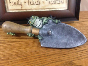 Frog Collectors !!   Ceramic Frog on Garden Shovel  Cute !!