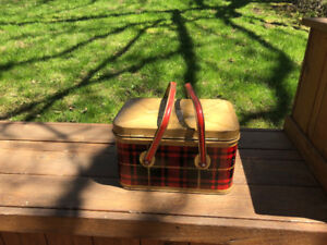 4 Vintage Metal Picnic Baskets From the 1950's