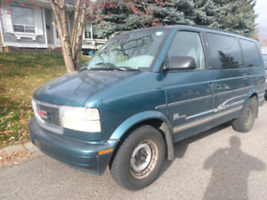 1997 GMC Safari SLX w/ two sets of tires - low km for year!