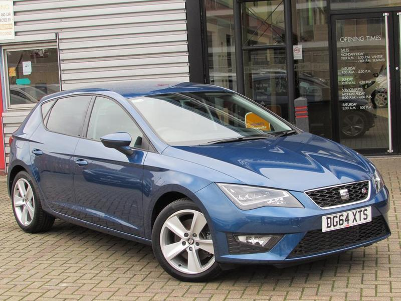 seat leon 2 0 tdi 184 fr 5 door technology pack 1 owner full history blue 2014 in. Black Bedroom Furniture Sets. Home Design Ideas