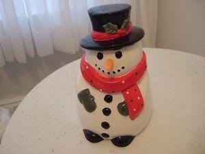 Jarre à biscuits en forme de bonhomme de neige
