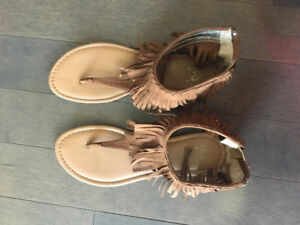Girls Size 7 - Justice Sandals