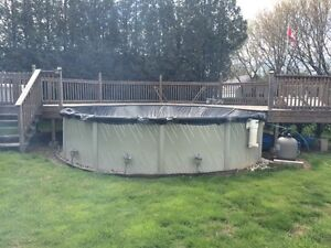 Above ground 18 ft. Pool & Deck