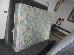 Extremly Clean double Mattress 4 Sale!(Can Deliver)