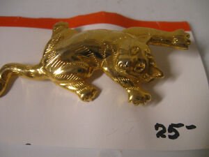 BEAUTIFUL OLD VINTAGE SLEEK SHINY GOLDTONE CAT BROOCH