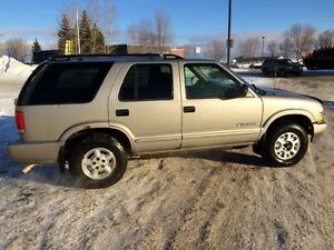 2004 Chevrolet Blazer Grey SUV, Crossover