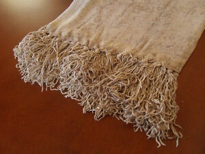 Beautiful Rich and Soft Rayon Throw Blanket!  Brand New!