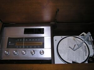 Vintage 1954 VIKING STEREOPHONIC CABINET RECEIVER- TUBE working West Island Greater Montréal image 2