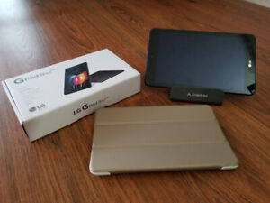 Rogers / Fido LTE LG G Pad IV Tablet Like New with accessories