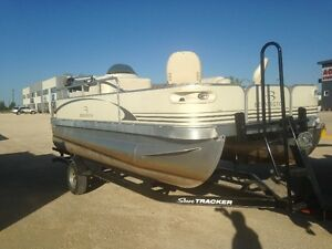 Bennington 16.5ft pontoon