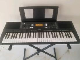 YAMAHA PSR P363 Keyboard