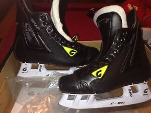 Hockey Skates - BRAND NEW  IN BOX - GRAPH 709's