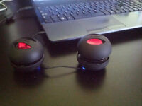 2 pieces wired mini speakers