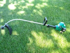 WEED EATER XT 200 FEATHERLIGHT GAS TRIMMER $70.