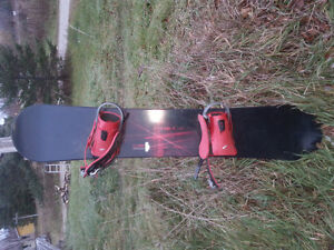 Storm 163 LS3 snowboard with bindings.