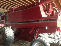 1680 CASE IH SELF PROPELLED COMBINE