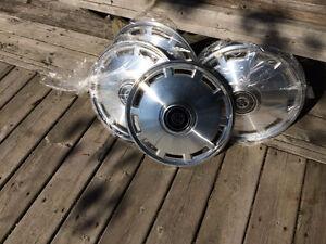 Mercury Cougar hubcaps