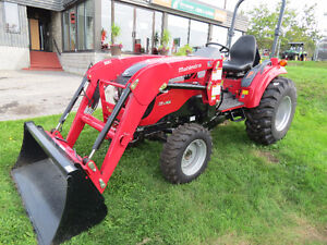 NEW Mahindra 1533 HST with R4 Tires and 1538L Loader