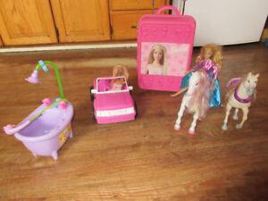 barbie suitcase jeep paragus horse and bathtub