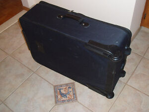 EDDIE BAUER ZERO GRAVITY LARGE SUITCASE West Island Greater Montréal image 2