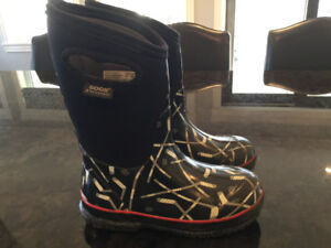 BOGS-Size 1- Black Hockey Sticks- CALL or TEXT( 709)743-2506