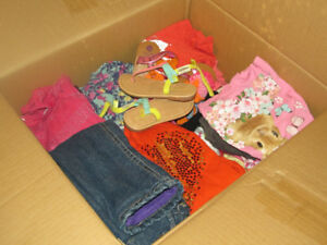 Baby girl clothes, 24M+ 2T , box of 100+pieces for 60$