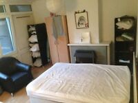 Double bedroom available in the heart of Shoreditch, off Brick Lane, perfect for Couples!