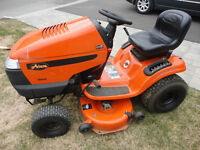 "Tracteur gazon Ariens 2012, 19 HP, 42"" de coupe"