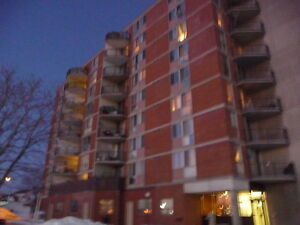 BEAUTIFUL 2 BEDROOM APARTMENT  AVAILABLE IN TRENTON