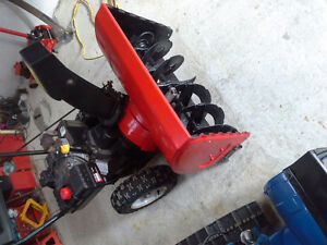 YARDWORKS 10.5  HP 29 CUT SNOWBLOWER