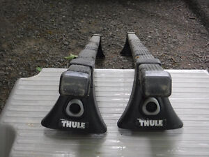Thule 43050  Complete Tracker Carrier and Thule Square 50 inches