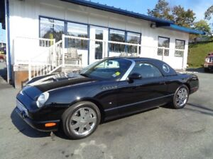 2002 Ford THUNDERBIRD V8